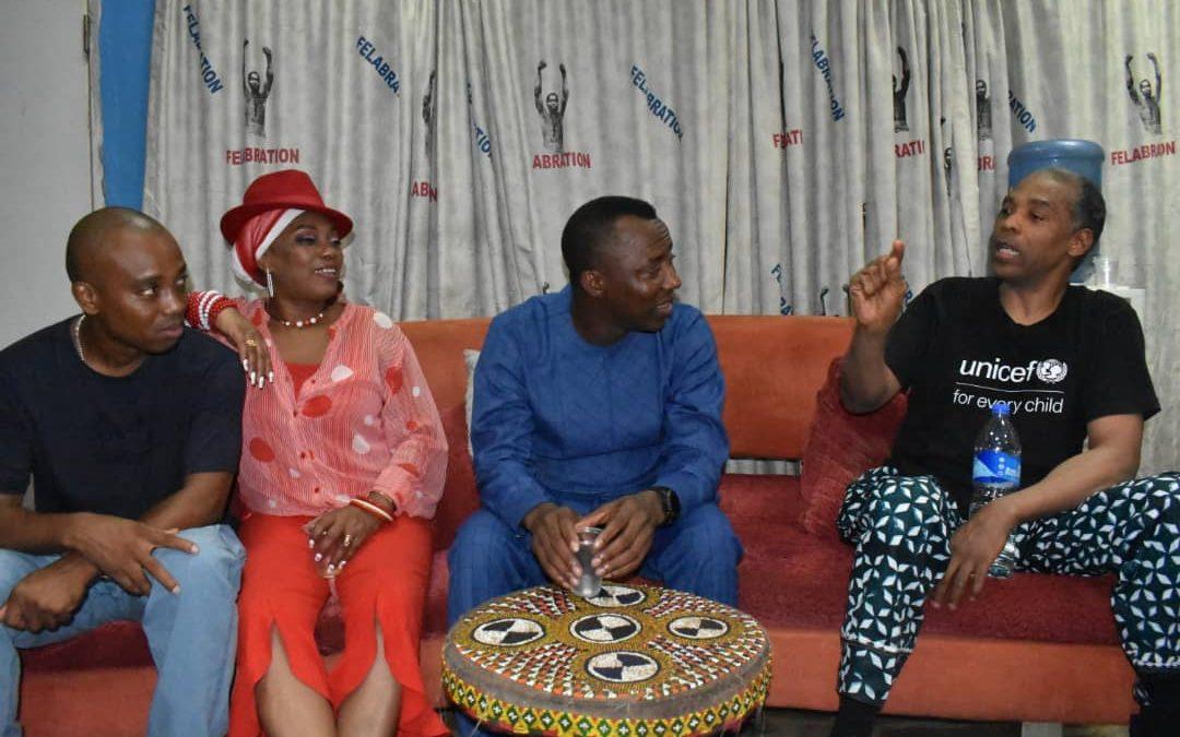 Omoyele Sowore with Femi and Yeni Kuti; At the New Afrika Shrine.